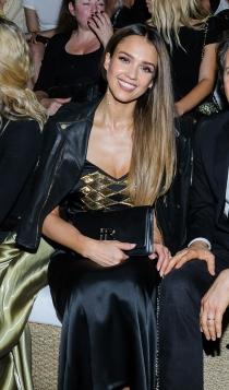 Jessica Alba, muy elegante