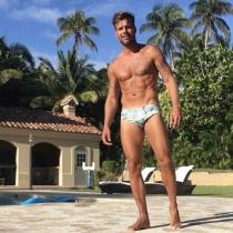 Ricky Martin, cuerpazo al sol