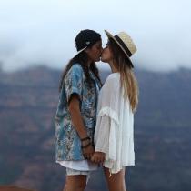 Los mil besos de Alba Paul y Aida Domenech