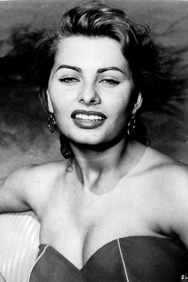Una jovencísima Sophia Loren comenzaba en el cine