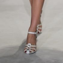 Los bonitos pies de la hija de Mick Jagger