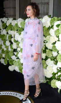 Alexa Chung, diferente y muy guapa