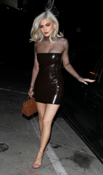 Kylie, una rubia explosiva