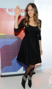 Un vestido negro estilo lady de Sarah Jessica Parker