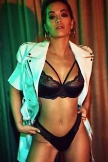 Más fotos de la sensualidad de Rita Ora