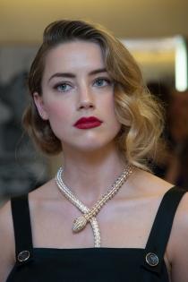 Famosas con falso bob: Amber Heard, muy elegante