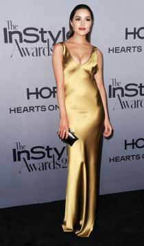 Olivia Culpo, sexy de dorado