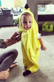 Luna Simone, un plátano divertido en Halloween