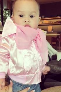 Luna Simone, toda una chica de rosa como Grease