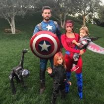 La familia Kardashian - Disick al completo en Halloween