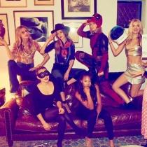 El squad de Taylor Swift en Halloween