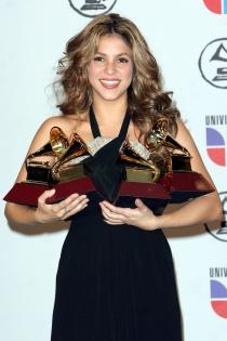 Shakira, con sus premios Grammy del año 2006