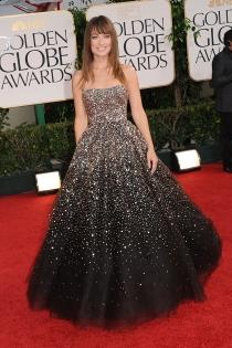 Este vestido de Olivia Wilde es cómodo, pero todo un laberinto para sentarse