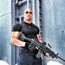 The Rock, sexy hasta armado en una película