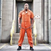 The Rock, en una de sus películas, sexy hasta de naranja