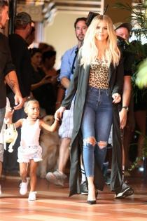 Khloé Kardashian, siempre de la mano con North West