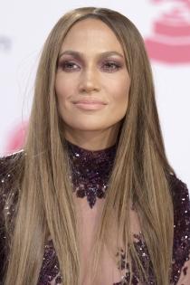 Las sombras burdeos de Jennifer Lopez