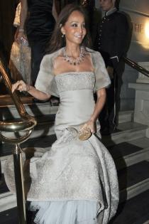 Isabel Preysler, una novia de gris perla