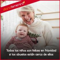 Los abuelos en Navidad dan alegría a los niños