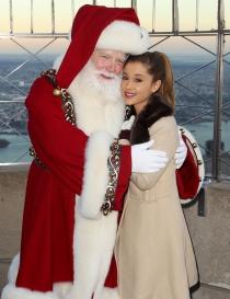 Famosos que adoran a Santa Claus: Ariana Grande