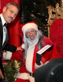 Famosos que adoran a Santa Claus: George Clooney