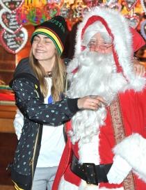 Famosos que adoran a Santa Claus: Cara Delevingne