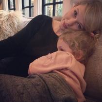 Taylor Swift y Lily Aldridge son tan amigas que posa con su hija Dixie