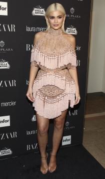 Nochevieja: Kylie Jenner, flecos y abalorios