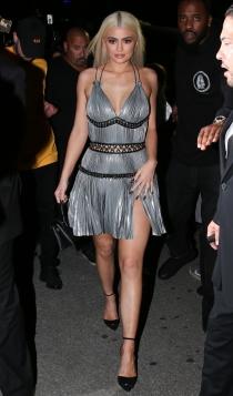 Nochevieja: Kylie Jenner, todo al plata
