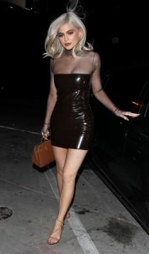 Nochevieja: Kylie Jenner, látex
