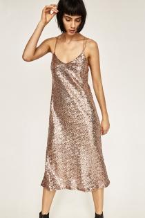 El vestido dorado de lentejuelas de ZARA
