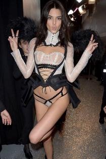 Momentazos Kardashian: las alas de ángel de Kendall Jenner