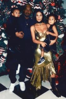 Kardashian West, una familia unida en Navidad