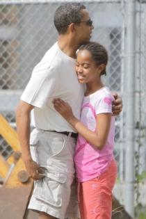Malia, feliz con su padre Barak Obama