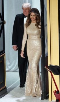 Vestidos dorados: el traje de Melania Trump