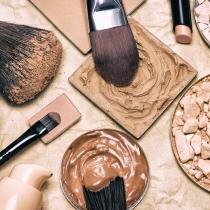 Test de belleza: ¿Qué cosmético podremos encontrar en tu bolso?
