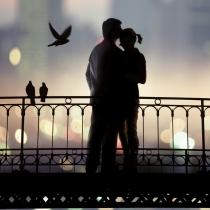 Test del amor: ¿No concibes la felicidad si no es al lado de alguien?