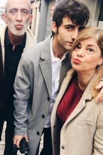 Alex Domenech, junto a sus padres