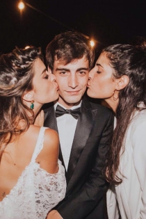 Alex Domenech, con Dulceida y Alba Paul