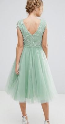 Un precioso vestido aguamarina con tul de ASOS