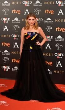 Goya 2017: un vestido negro con transparencias de Miriam Giovanelli.