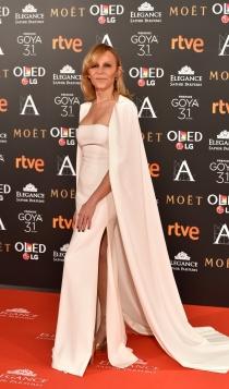 Premios Goya 2017: el look en blanco de Antonia San Juan