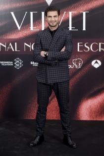 Maxi Iglesias, muy elegante
