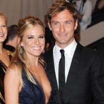 Jude Law y Sienna Miller, unidos por un compromiso que no terminó en boda