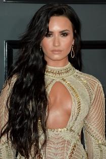 La larguísima melena de Demi Lovato