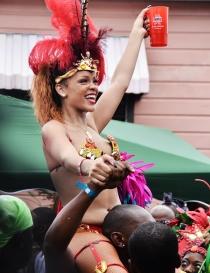 Rihanna: Orgullosa de sus orígenes