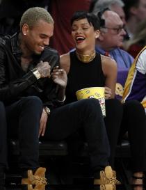 Rihanna: Relación tormentosa con Chris Brown
