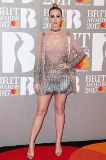 Brit 2017: el look más exagerado de Katy Perry