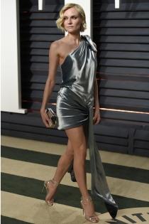 El vestido metalizado de Diane Kruger
