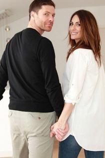 Nagore Aramburu y Xabi Alonso, juntos siempre de la mano
